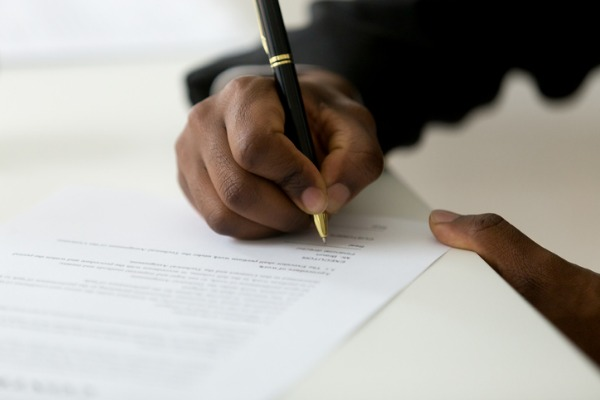 What are the different types of employment contract and why are they important?